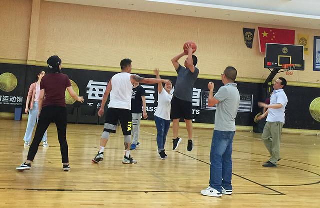 展风采 健体魄 | 成都bwin客户端app篮球友谊赛圆满落幕